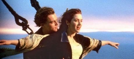 """Uma das cenas mais famosas e românticas do filme """"Titanic"""""""