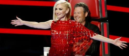 Blake Shelton And Gwen Stefani Get Flirty On The Set Of 'The Voice ... - inquisitr.com