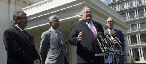 Health bill gains new life as 2 GOP moderates meet Trump ... - startribune.com