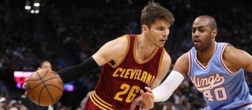 Kyle Korver trade defies the odds in helping Cavs' present, Hawks ... - sportingnews.com