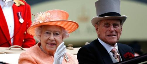 Queen Elizabeth, Prince Philip: Buckingham Palace emergency ... - com.au