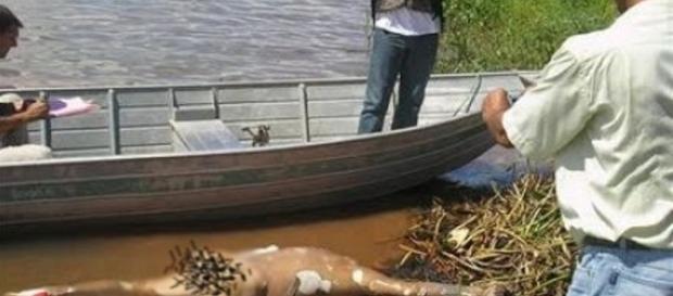 Jovem é degolado e tem seu corpo jogado em rio.