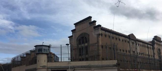 La prisión Modelo de Barcelona cierra sus puertas