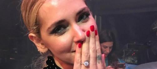 Fedez e Chiara presto sposi: ecco la foto dell'anello
