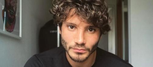 Gossip: Stefano De Martino cancella Belen e fa un nuovo importante tatoo.