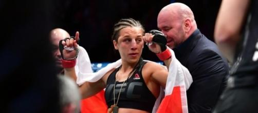 Jedrzejczyk Vs Andrade Set For UFC 211 Co-Main Event - fanragsports.com