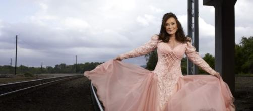 Loretta Lynn Hospitalized After Suffering a Stroke | CMT - cmt.com
