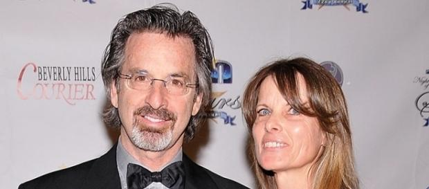 Actor Robert Carradine and Wife Divorcing After 25 Years of Marriage - people.com