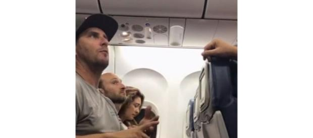 California family with 2 toddlers booted from Delta flight | News ... - nhely.hu