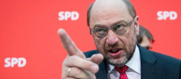 Da hilft es auch nicht, dem Wähler zu drohen. Die SPD säuft ab. (Source URG Suisse: Blasting.News Archives)