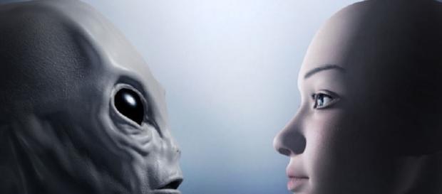 Ecco perché gli alieni interagiscono con gli umani