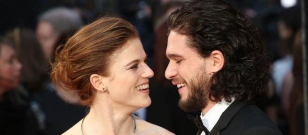 Kit Harington and Rose Leslie looking more and more in love in recent outing. (via Blasting News library)