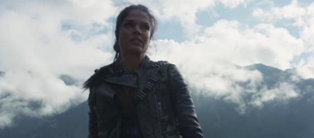 Octavia (Marie Avgeropoloulos) in 'The 100'/Photo via screenshot, 'The 100'/The CW