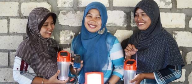 Women Empowering Women - IIX - Impact Investment Exchange - iixglobal.com