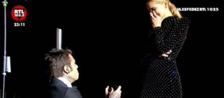 Fedez ha chiesto a Chiara Ferragni di sposarlo.