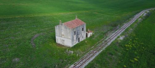 Beni in concessione dal Demanio per la riqualificazione turistica: ex casa cantoniera sulla via Appia - Basilicata, Irsina (Matera)
