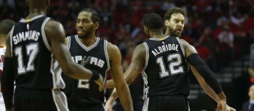 No Parker, no problem for Spurs in Game 3 - San Antonio Express-News - mysanantonio.com