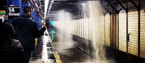 Water Main Break Floods New York City Subway Station - ABC News - go.com