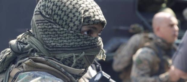 Lenço foi comparado ao acessório que é símbolo nacional palestino