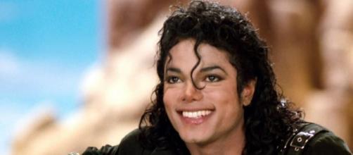 Michael Jackson ficou conhecido como o Rei da Pop