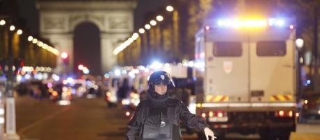 Geopoliting - Francia confirma la tendencia suicida de Europa