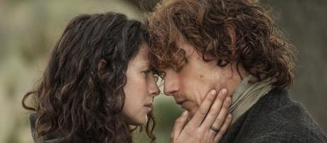 Sam Heughan & Caitriona Balfe finally revealed the truth once and for all in recent photo. (via Blasting News library)