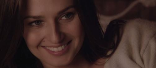 Anna Safroncik è l'attrice che interpreta Aurora nella fiction di Canale 5