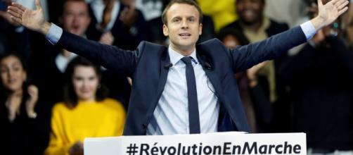 Chi è Emmanuel Macron? | L' intellettuale dissidente