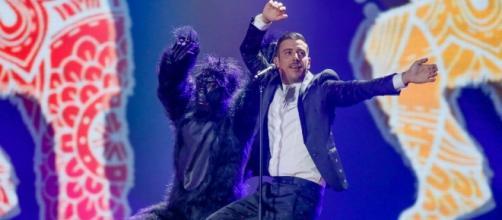 Eurovision 2017: Francesco Gabbani durante la clip di prova che andrà in onda questa sera