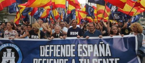 Más de un millar de personas acude a una marcha de la ultraderecha ... - elpais.com