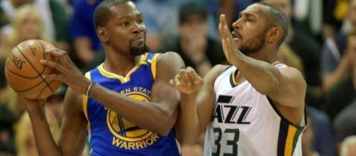 NBA Playoffs: Golden State Warriors Defeat Utah Jazz In Sloppy Game 3 - inquisitr.com