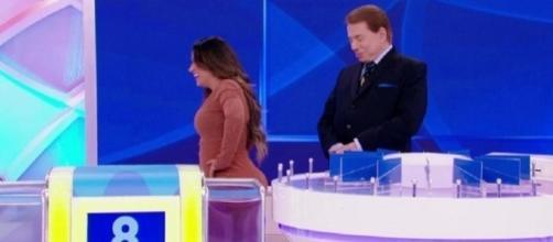 Silvio não poupou Simone e Simaria das brincadeiras em seu programa. Falou do bumbum, do peso e de relacionamentos das duas