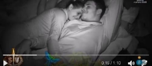Vídeo completo del chubasquering de Gloria Camila y su novio Kiko