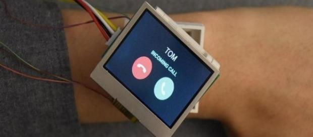 Cito smartwatch can move in five directions as per user's needs(via HCI Research @ Dartmouth)