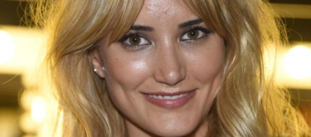 El secador de pelo de Alba Carrillo calienta a sus seguidores ... - segnorasque.com