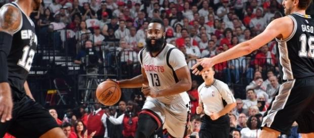 Houston Rockets stay true to up-temp identity in Game 4 conquest ... - nba.com