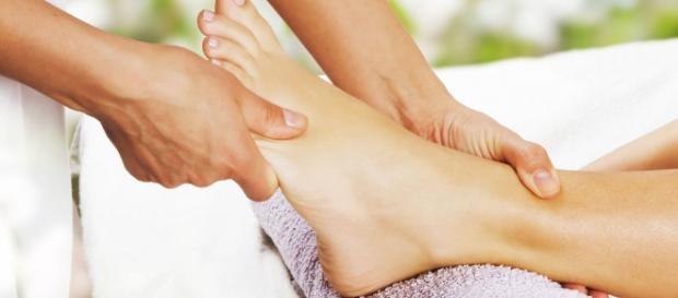 Massagens nos pés que fazem bem ao corpo todo