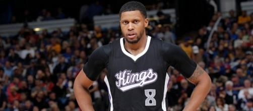 Rudy Gay will decide to test out his options as an NBA free agent. [Image via Blasting News image library/nbalead.com]