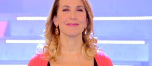 Ancora problemi tecnici per Barbara D'Urso nel corso di una puntata di Pomeriggio Cinque - (foto radioartista.com)