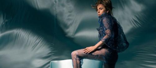 Lady Gaga nous offre un nouvel opus intitulé The Cure. Un morceau qui revient aux origines de la star. source: gagadaily.com