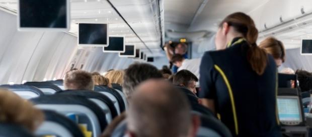 airliner lucasbien, pixabay.com, CC0
