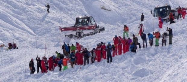 Al menos cuatro esquiadores mueren en una avalancha en los Alpes ... - elpais.com