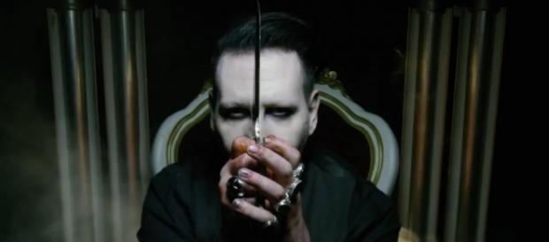 Marilyn Manson in una fotogramma del Teaser Trailer di SAY10