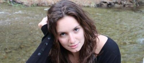 A atriz Bruna Fornasier foi vítima de abuso sexual em um hostel na Tailândia