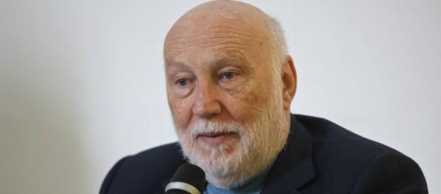 Il prof. Domenico De Masi ci racconta come è possibile ridurre la disoccupazione in Italia