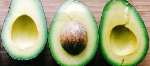 O abacate está muito na moda, mas é perigoso