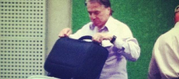 Silvio Santos sai do país para tratar de doença - Google