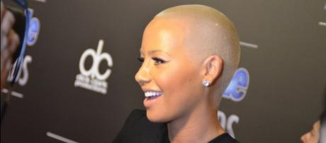 Amber Rose draws flak for explicit Instagram post. (Wikimedia/Mingle Media TV)