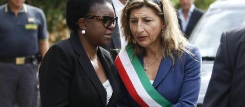 """La """"leonessa"""" di Lampedusa vincitrice del Premio Simone de ... - nawartpress.com"""