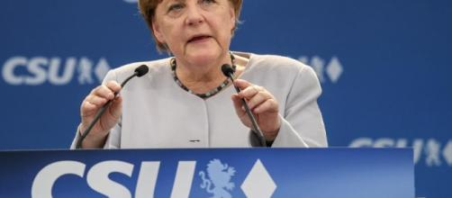 "Merkel warns against ""simple answers"" after Trump meetings ... - wsbradio.com"